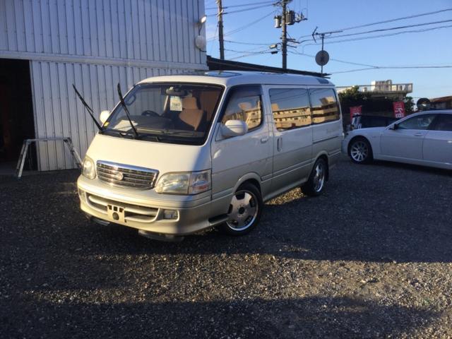 沖縄の中古車 トヨタ ハイエースワゴン 車両価格 35万円 リ未 2001(平成13)年 30.8万km ライトシルバーII
