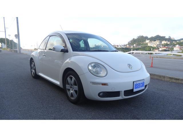 沖縄の中古車 フォルクスワーゲン VW ニュービートル 車両価格 43万円 リ済別・追 2008(平成20)年 11.9万km パールホワイト