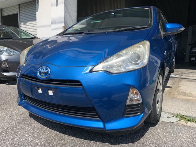 沖縄県の中古車ならアクア S 2年保証 タイヤ山7割 オイル新品 CD・ラジオ付き