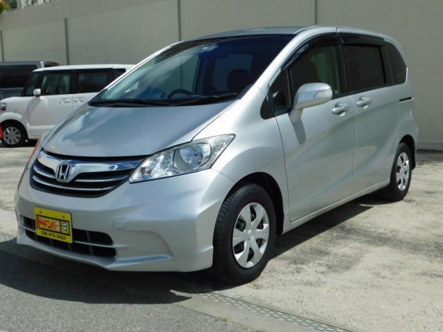 沖縄の中古車 ホンダ フリード 車両価格 112万円 リ済込 2013(平成25)年 2.8万km シルバーM