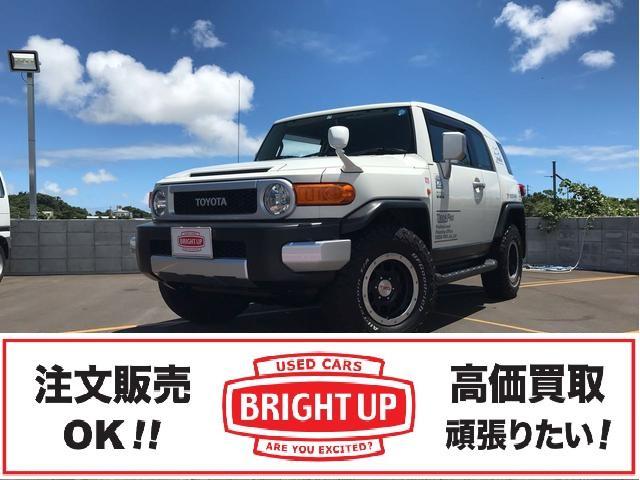 沖縄の中古車 トヨタ FJクルーザー 車両価格 249万円 リ済別 2011(平成23)年 6.0万km ホワイト