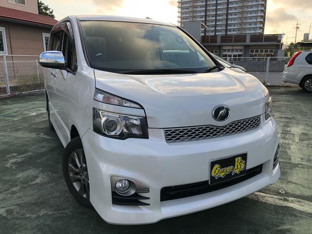 沖縄の中古車 トヨタ ヴォクシー 車両価格 89万円 リ済込 2011(平成23)年 9.1万km パール