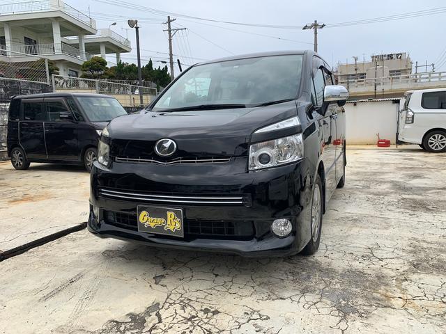 沖縄の中古車 トヨタ ヴォクシー 車両価格 73万円 リ済込 2009(平成21)年 11.0万km ブラック