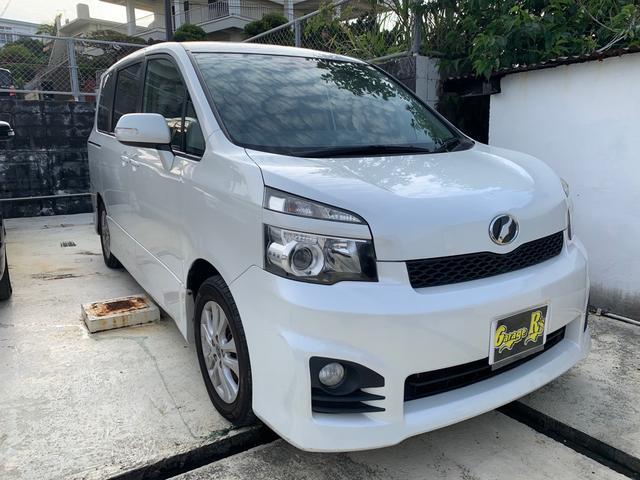 沖縄の中古車 トヨタ ヴォクシー 車両価格 79万円 リ済込 2010(平成22)年 12.0万km ホワイト