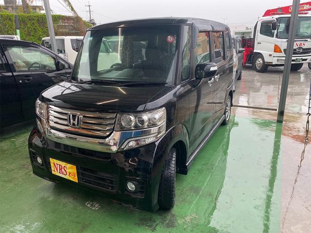 沖縄の中古車 ホンダ N-BOXカスタム 車両価格 69万円 リ済込 2013(平成25)年 17.4万km ブラック