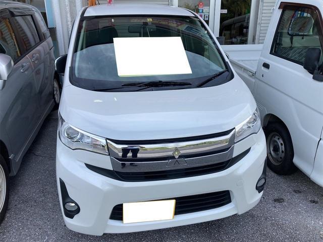 沖縄の中古車 三菱 eKカスタム 車両価格 49万円 リ済別 2013(平成25)年 3.5万km パール
