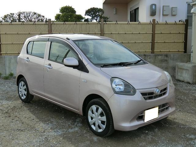 沖縄の中古車 ダイハツ ミライース 車両価格 54万円 リ済別 2013(平成25)年 1.2万km ピンクM