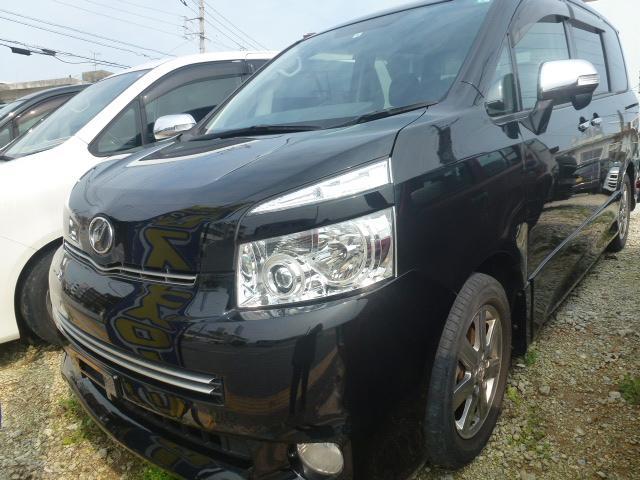 沖縄の中古車 トヨタ ヴォクシー 車両価格 44万円 リ済込 2010(平成22)年 10.7万km ブラック