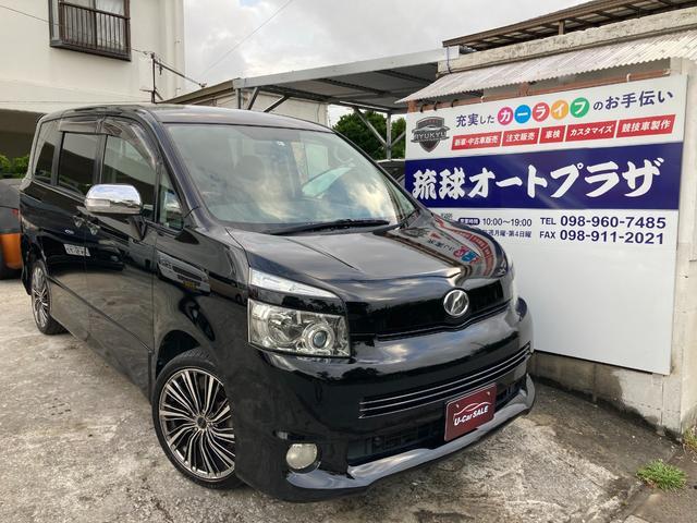 沖縄の中古車 トヨタ ヴォクシー 車両価格 35万円 リ済込 2009(平成21)年 13.1万km ブラック