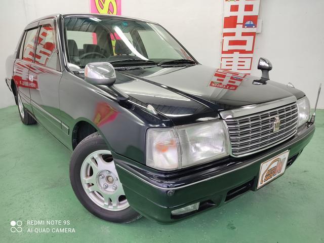 沖縄の中古車 トヨタ クラウン 車両価格 15万円 リ済込 2004(平成16)年 8.5万km ブラック