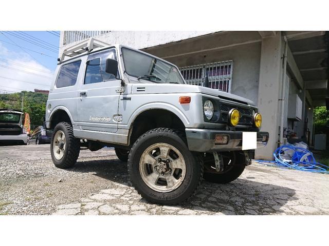沖縄の中古車 スズキ ジムニー 車両価格 26万円 リ済込 1995(平成7)年 23.2万km シルバー
