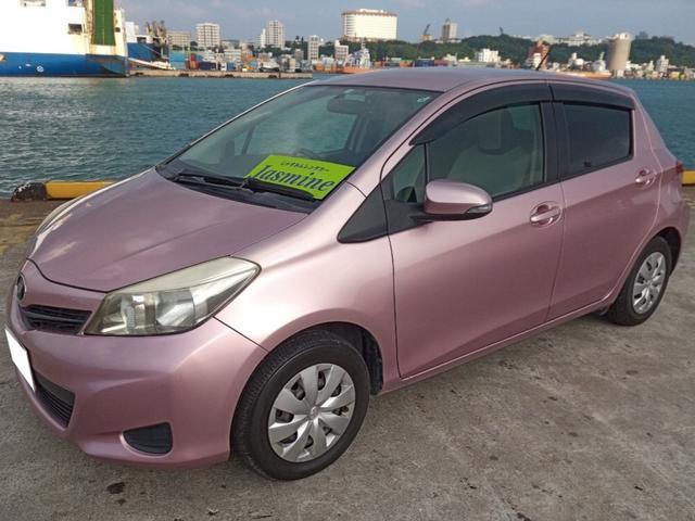 沖縄の中古車 トヨタ ヴィッツ 車両価格 25万円 リ済別 2011(平成23)年 16.0万km ピンク