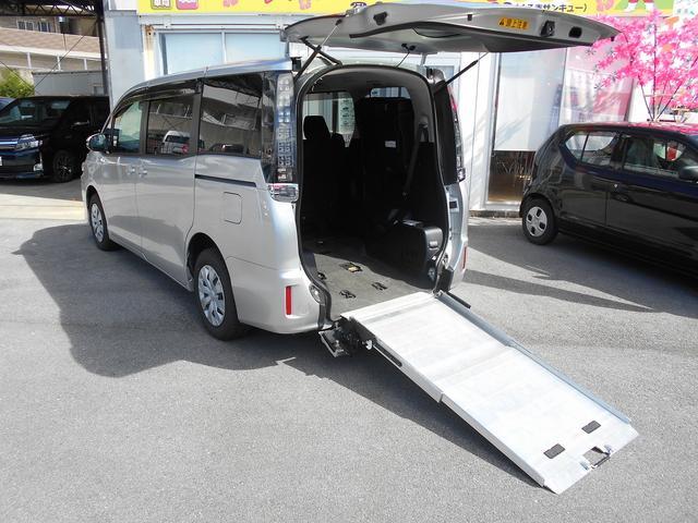 沖縄県の中古車ならヴォクシー X 福祉車両スローパー2基積