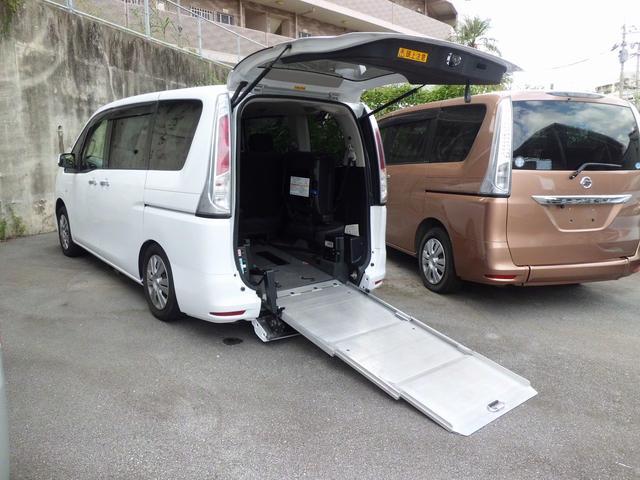 沖縄県の中古車ならセレナ  福祉車両 1基積 スローパー