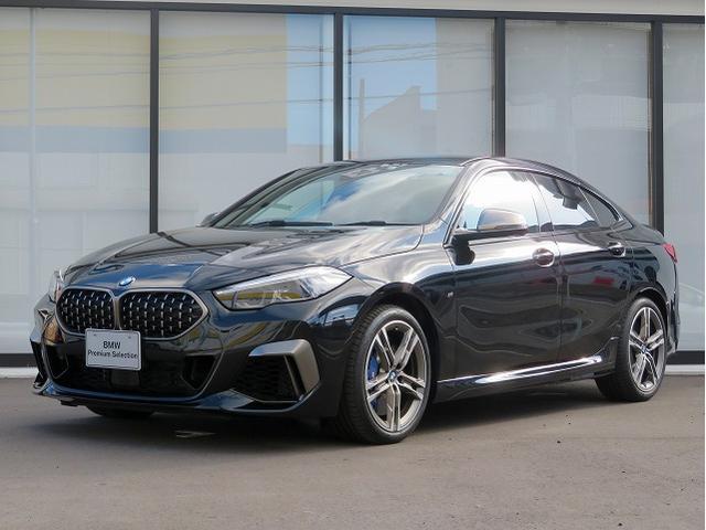 BMW M235i xDriveグランクーペ デビューPKG アダプティブMサスペンション LEDライト 18AW PDC コンフォートアクセス シートヒーター 純正ナビ リアビューカメラ レーンチェンジ&ディパーチャーウォーニング 認定中古車