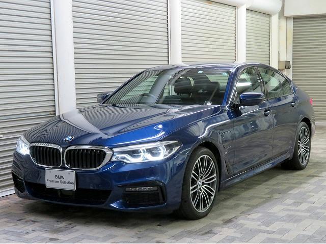 BMW 5シリーズ 530e Mスポーツアイパフォーマンス LEDヘッドライト 19AW オートトランク コンフォートアクセス レザーシート ブラックレザー マルチディスプレイメーター 純正ナビ トップ リアビューカメラ 純正ETC Aクルコン 認定中古車