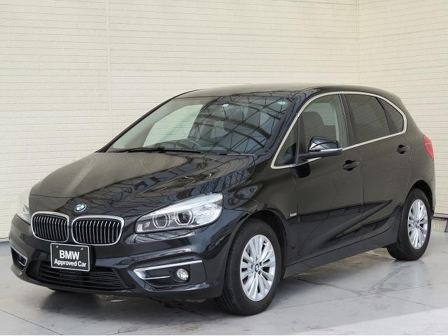 BMW 218iアクティブツアラー ラグジュアリー コンフォートPKG LEDヘッドライト 16AW パーキングサポートPKG iDriveナビ オートトランク コンフォートアクセス ブラックレザー 純正ナビ リアビューカメラ 純正ETC 認定中古車