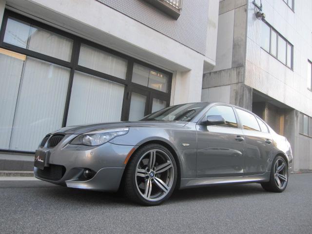 BMW 5シリーズ 530i Mスポーツパッケージ 禁煙車 屋内保管 サンルーフ 黒革