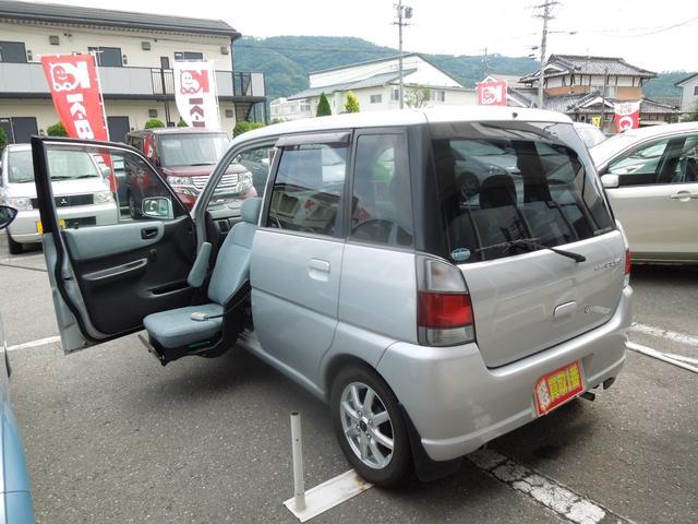スバル LプラスパッケージII 4WD 5MT 電動助手席回転シート
