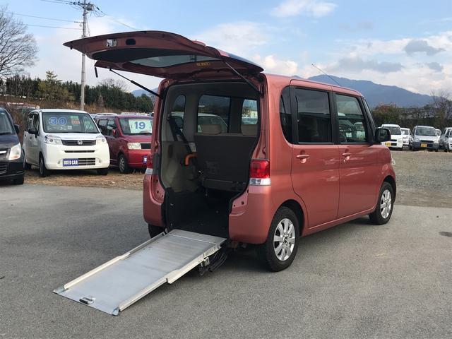 スローパー 車いす搭載1台リアスローパー 後席シート付(1枚目)