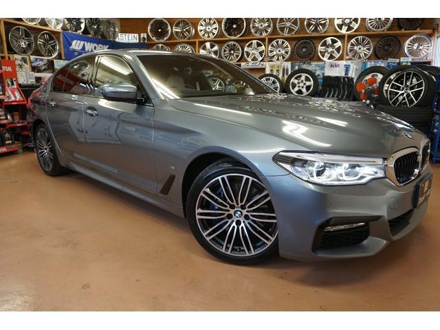 BMW 5シリーズ 530eアイパフォーマンス Mスポーツ 白革パワーシート アドバンスパッケージ・1オーナー・インテリジェントセーフティ・全方位カメラ・ドライビングパフォーマンスコントロール・ソフトクローズドア・ACC・ステアリングアシスト・パドルシフト・純正HDDナビ