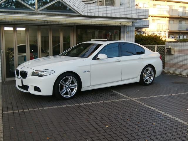 BMW 528i Mスポーツパッケージ 黒革シート サンルーフ