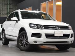VW トゥアレグV6 黒革 パノラマサンルーフ アラウンドビューカメラ 禁煙