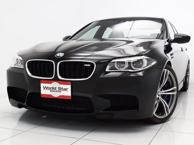 BMW M5 Mパフォーマンスアクラボビッチマフラー サンルーフ