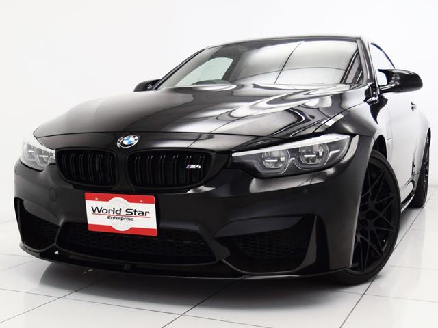 BMW M4クーペ コンペティション Mパフォーマンスカーボンリヤディフューザー ハーマンカードンサウンド カーボンファイバーインテリアトリム カーボンファイバールーフ フルレザーメリノシート アダプティブLEDライト シートH 禁煙車