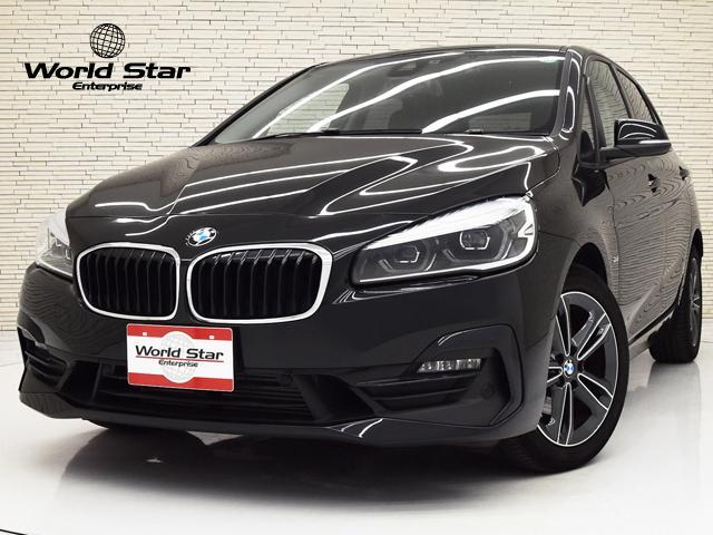 BMW 2シリーズ 218dアクティブツアラー スポーツ コンフォートPKG パーキングサポートPKG 17インチダブルスポークAW LEDヘッドライト ブラックハーフレザーシート シートH リヤビューカメラ オートマチックテールゲート 純正ナビ 禁煙車