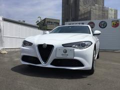 アルファロメオ ジュリアスーパー右ハンドルAT レザーシート 元試乗車 新車保証継承