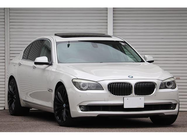 BMW 740i コンフォート&プラスPKG リアエンターテイメント 電動ガラスサンルーフ KELLENERS20インチAW ベンチレーション オートトランク ソフトクローズドア リアiDriveコントローラー