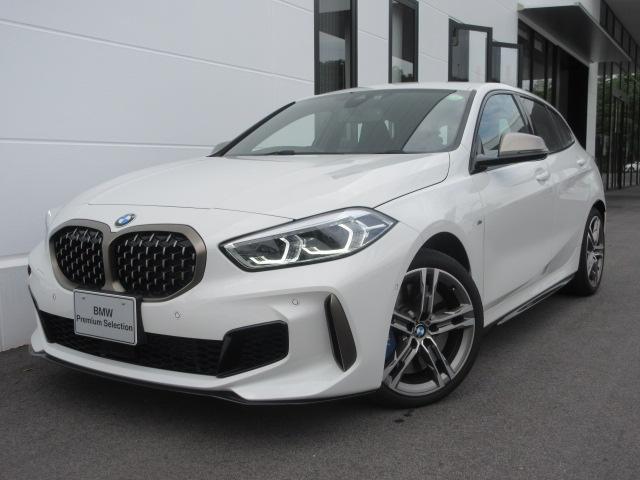 BMW 1シリーズ M135i xDrive Mスポーツシート 電動トランク アクティブクルーズコントロール LEDヘッドライト 18インチAW デモカー禁煙車 2年保証