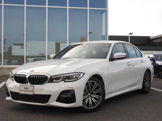 BMW 318i Mスポーツ コンフォートPKG ワイヤレスチャージ 電動トランク LEDヘッドライト アクティブクルーズコントロール ステアリングアシスト パドルシフト 18インチAW デモカー禁煙車 2年保証
