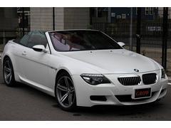 BMW M6カブリオレ 7速SMG AKRAPOVICマフラー 赤革