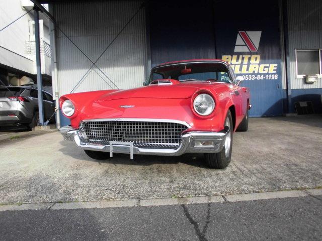 フォード  自社本国輸入車 アメリカンレーシングAW MSDコイルMallory 社外ステアリング 内装シート張り替え済み 赤白ツートンシート