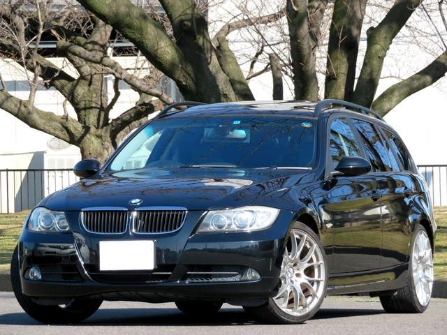 BMW 320iツーリング Wパノラミックルーフ