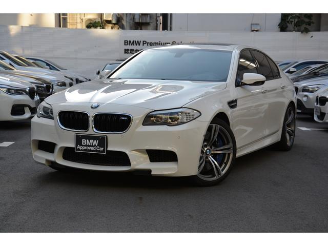 BMW M5 左H 黒革 サンルーフ 1オナ禁煙車 20インチAW