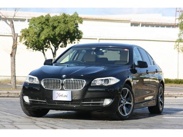 BMW アクティブハイブリッド5 ブラックサファイア&ベージュレザー