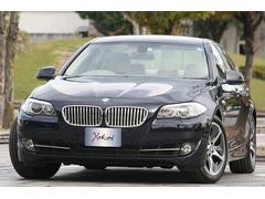 BMWアクティブハイブリッド5 インペリアルブルー&ベージュレザー
