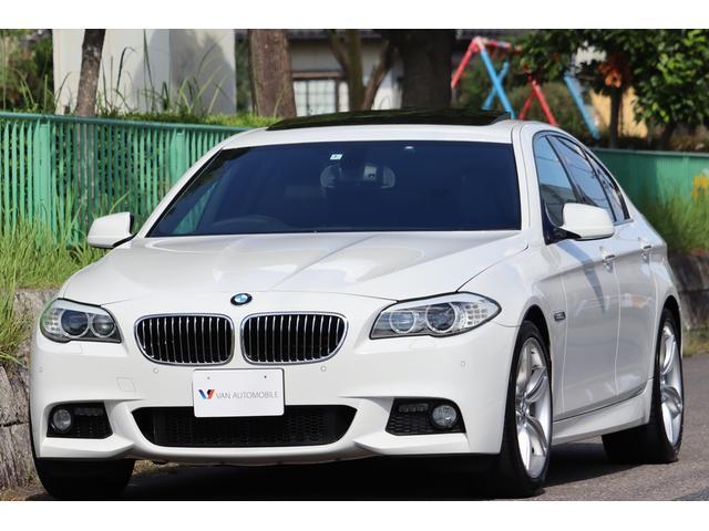 BMW 528i Mスポーツパッケージ Mエアロダイナミクス・19インチアロイホイール・ガラスサンルーフ・コンフォートアクセス・車幅センサー・ミラーETC・ナビ・地デジ・DVD再生・Bカメラ・Bluetooth・ユピテルセキュリティー
