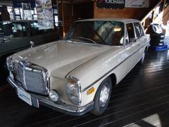 メルセデス・ベンツその他 1972年登録 W114 230−6 セダン コラムAT 正規輸入車