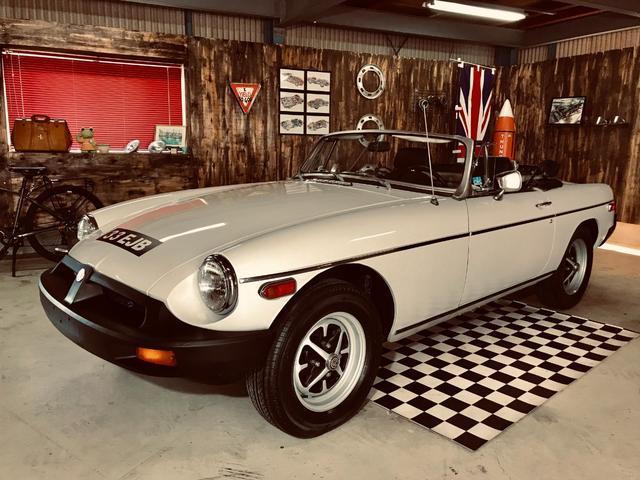 MGB(MG) リミテッドエディション 純正ホイール、ラジオ、ハンドル、シフトレバーなどオリジナルパーツ多数 中古車画像