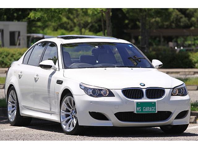 BMW M5 V10最終モデル ホワイトグレーレザーシート