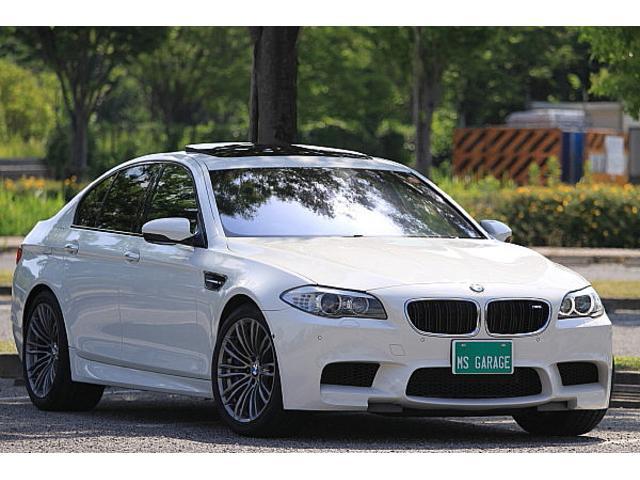 BMW M5 V8ツインターボ 7速DCT
