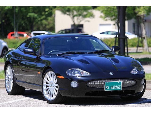 ジャガー XKRブラックナイト スーパーチャージャー408PS 限定車