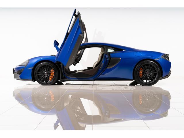 マクラーレン  走行3,980km ByMcLarenデザイナー内装 セキュリティ&ラグジュアリーパック 車両リフト カーボンインテリア スポーツエグゾースト オレンジキャリパー