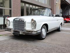 M・ベンツ280SE Cabriolet