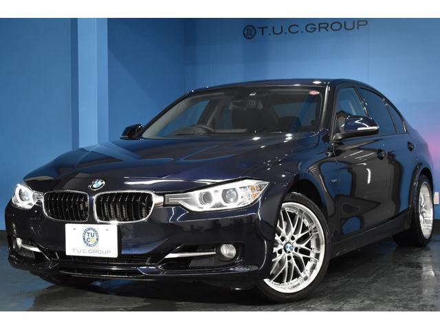 BMW 3シリーズ 320i スポーツ 18AW 専用レッドステッチスポーツシート パドルシフト付8速AT ハイグロス・ブラックインテリアトリム アンビエントライト(クラシック・スポーツ) iドライブナビBカメラ スマートキー 2年保証