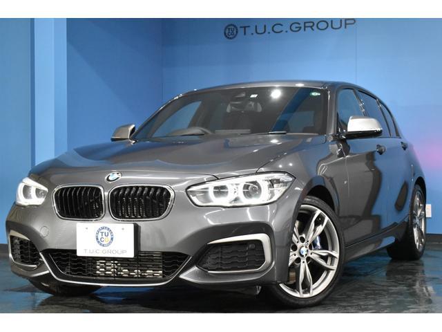 BMW 1シリーズ M135i 後期 直6ターボ LED/H 車線逸脱&歩行者警告 衝突軽減B 可変Mサス パドルS 1オナ Bカメラ BTオーディオ 専用エアロ コンフォA iストップ 18AW タッチPiドライブ 2年保証